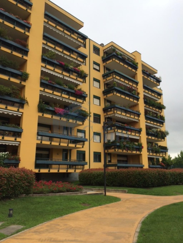 Immobiliare milano vendita ampio bilocale alle for Immobiliare milano
