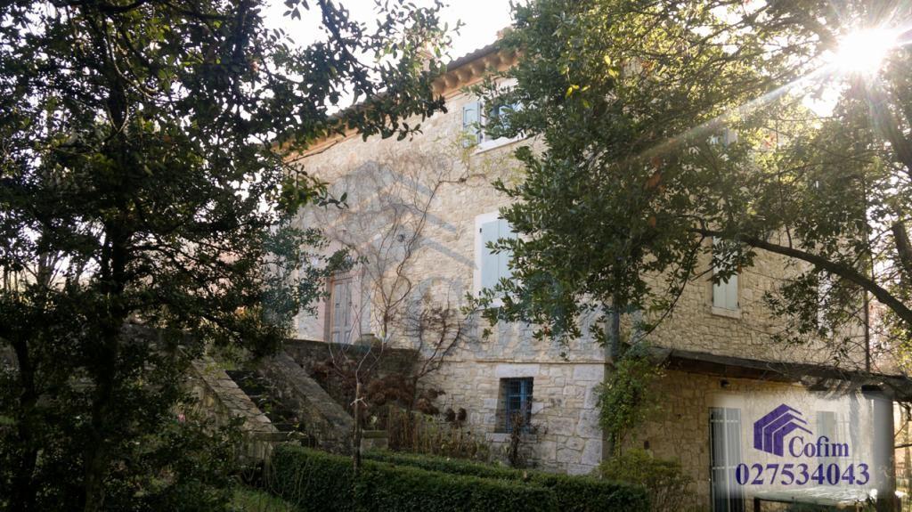 Palazzina  - Prestigiosa villa singola a  Izzalini (Todi) - in Vendita - 1