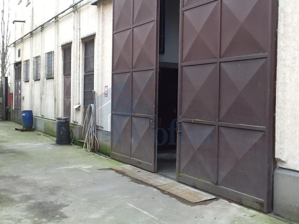 Capannone ottima posizione a Pantigliate - in Affitto - 3
