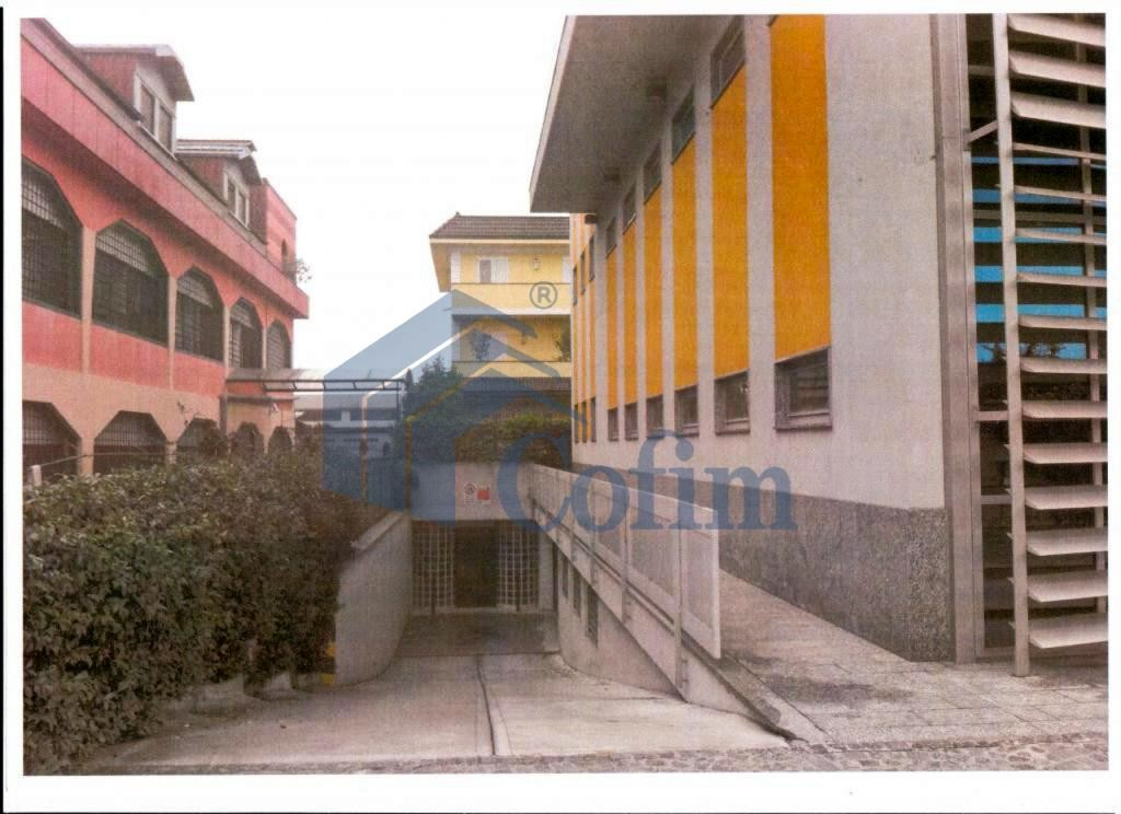 Ufficio - immobile ristrutturato suddiviso in tre piani in Segrate - in Vendita - 3