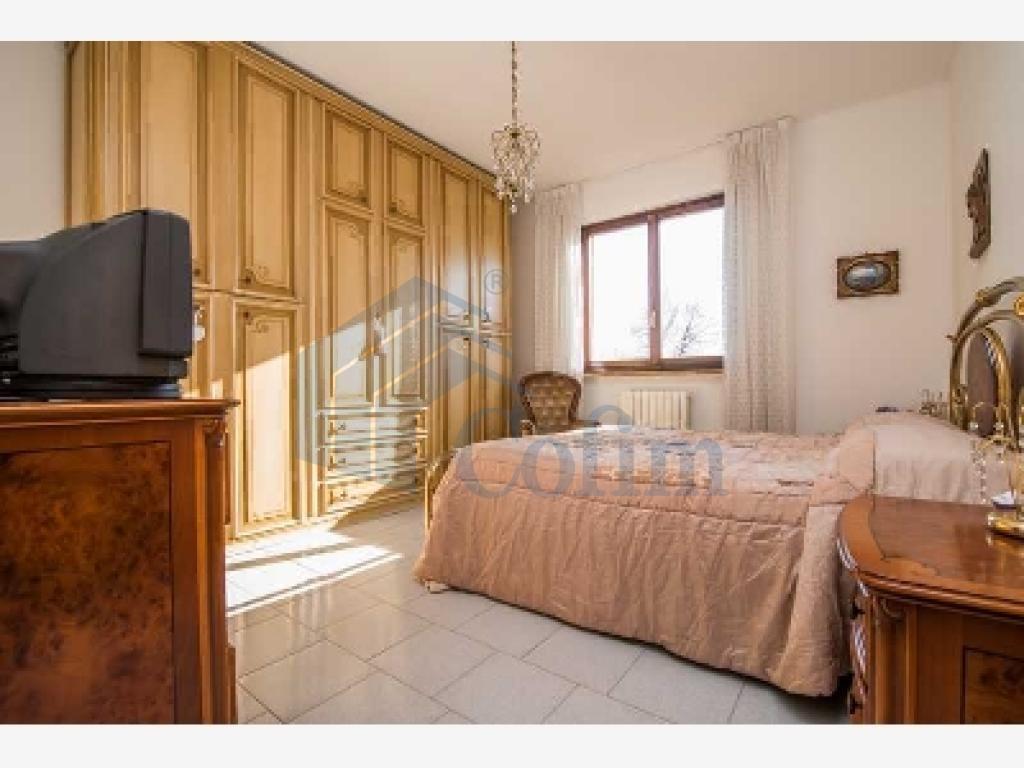 Villa a schiera ottimo investimento  Lucino (Rodano) - in Vendita - 9