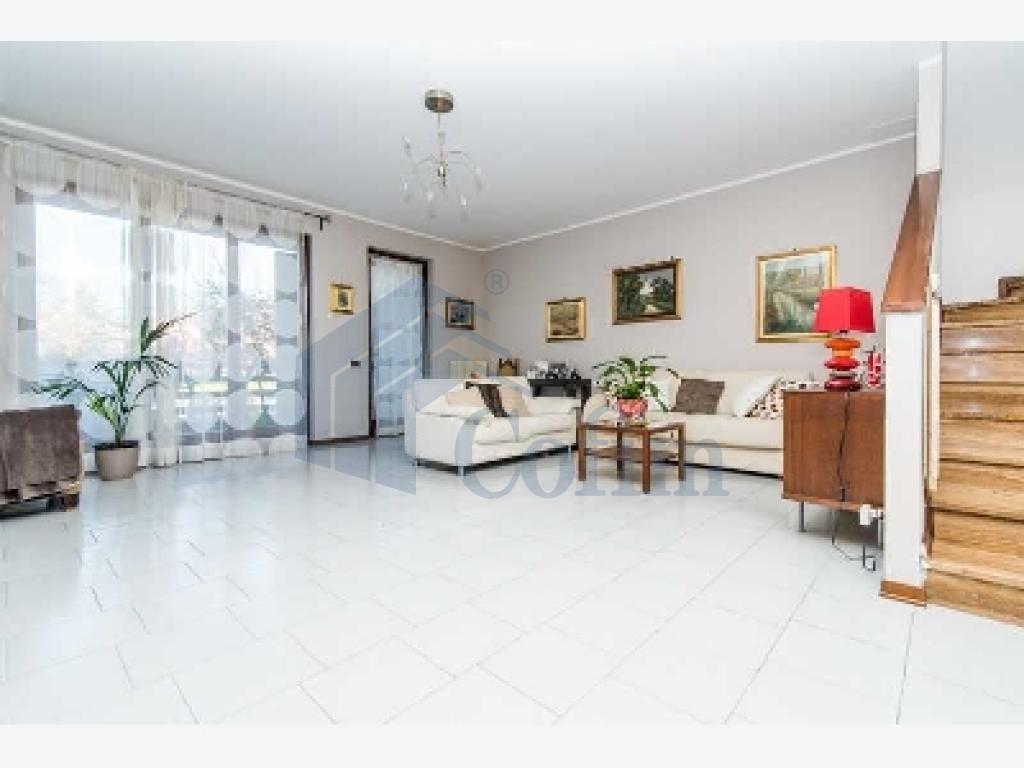 Villa a schiera ottimo investimento  Lucino (Rodano) - in Vendita - 3