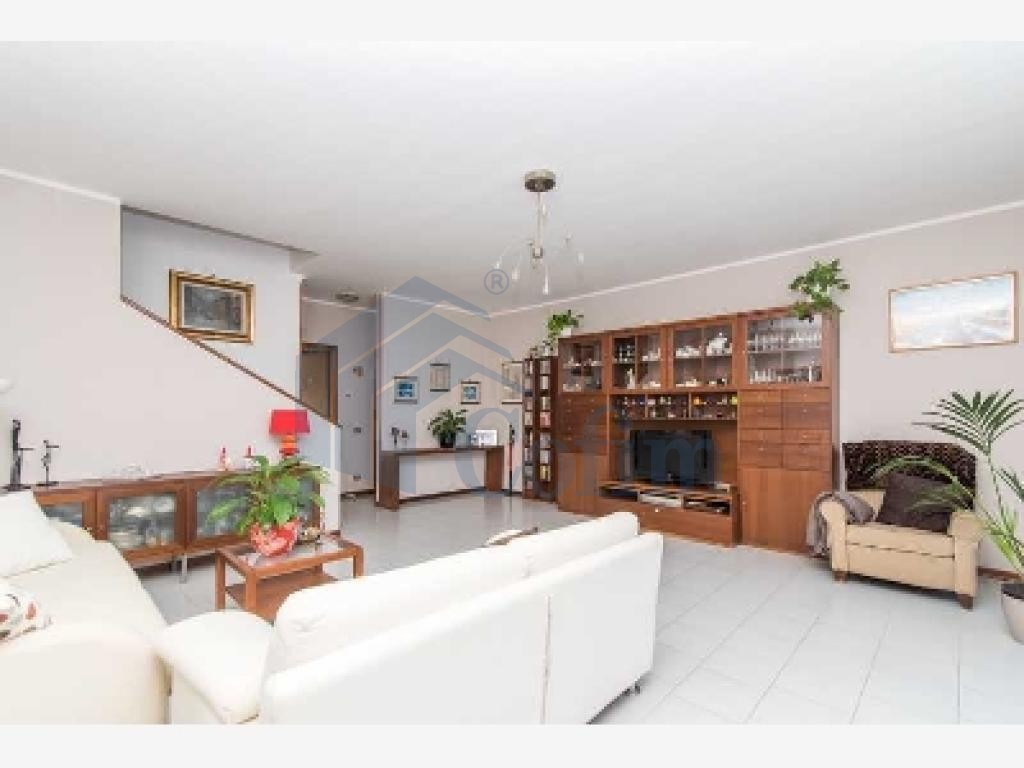 Villa a schiera ottimo investimento  Lucino (Rodano) - in Vendita - 4