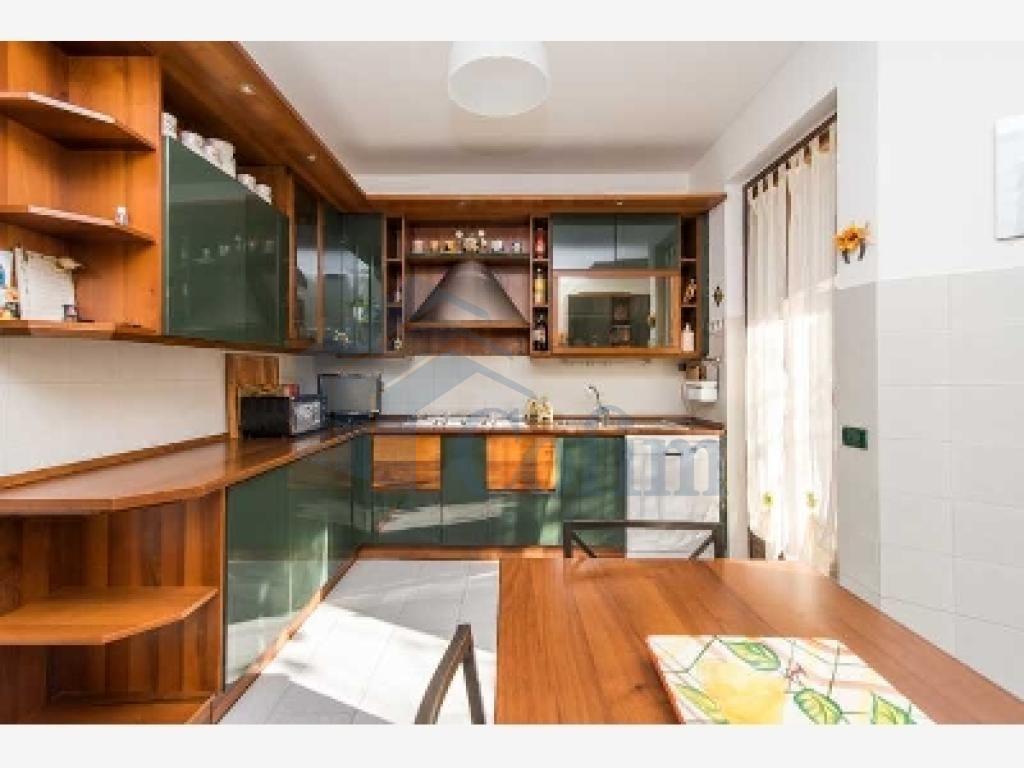Villa a schiera ottimo investimento  Lucino (Rodano) - in Vendita - 5