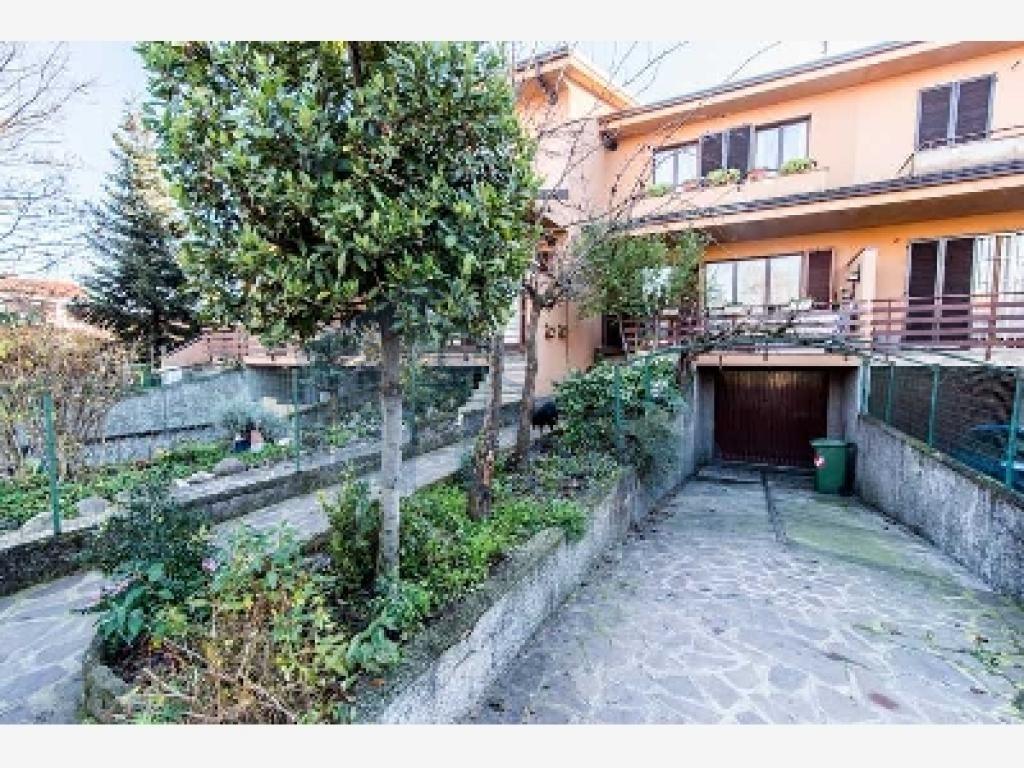 Villa a schiera ottimo investimento  Lucino (Rodano) - in Vendita - 10