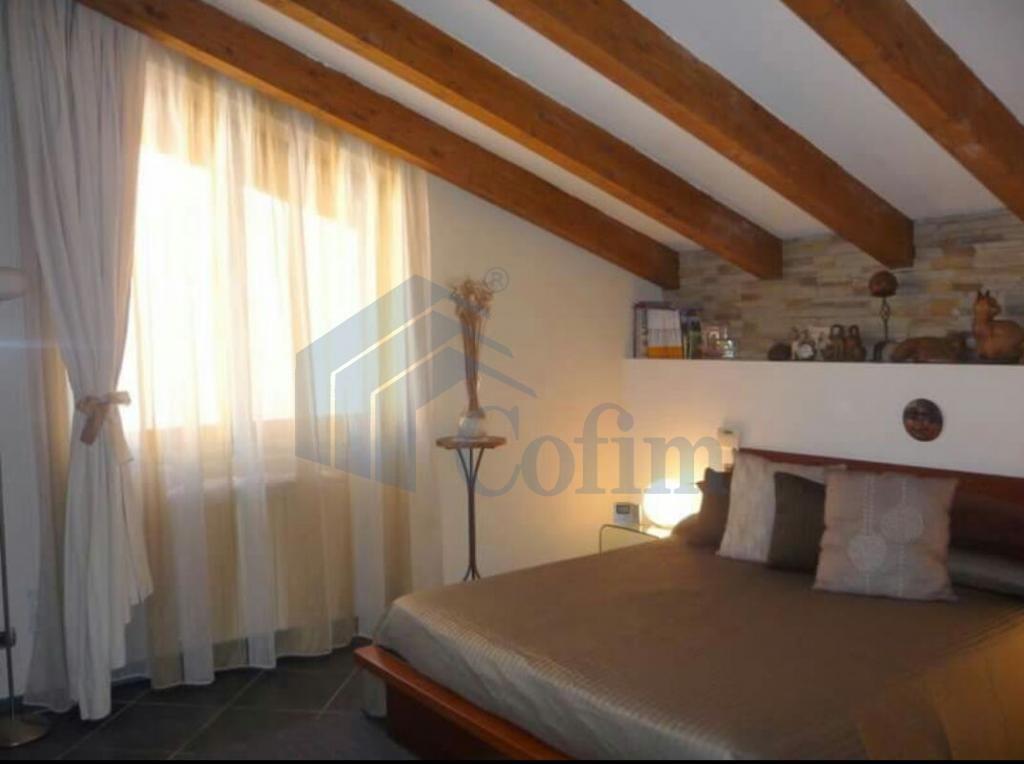 Casa indipendente su due piani elegantemente arredata  Tregarezzo (Segrate) - in Affitto - 8