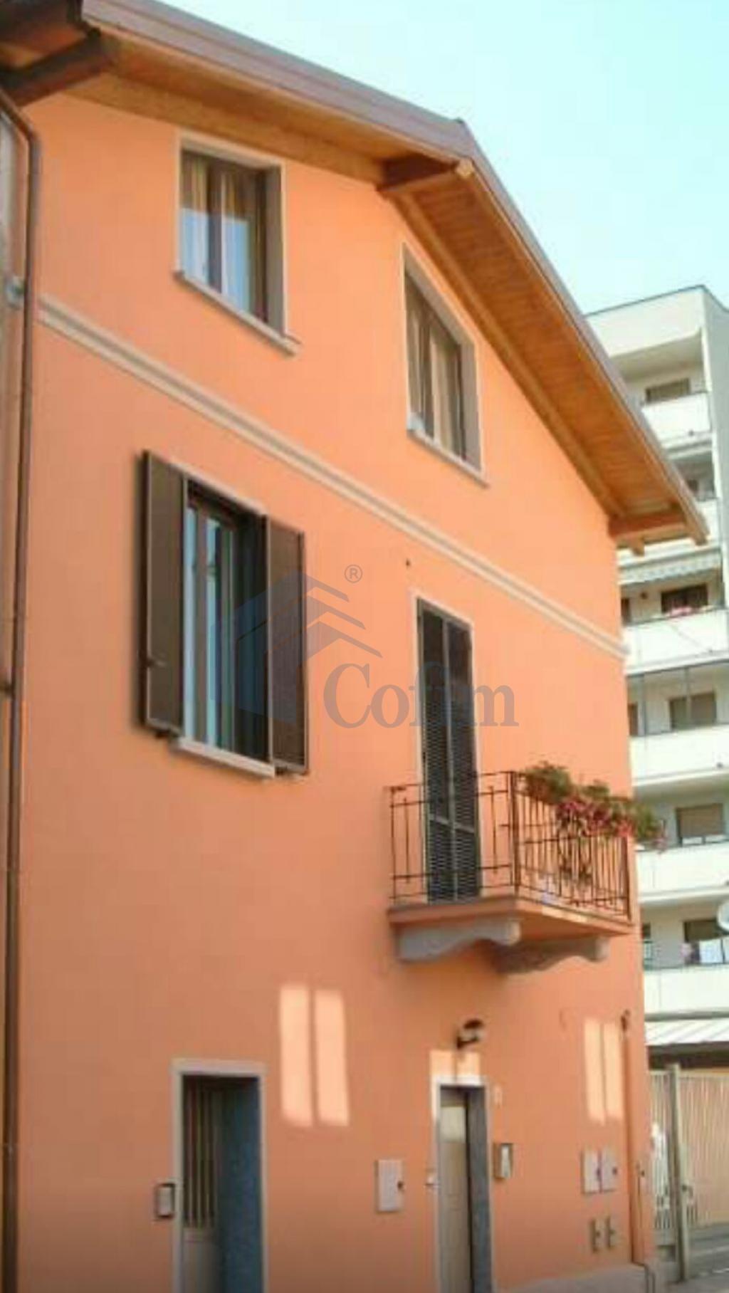 Casa indipendente su due piani elegantemente arredata  Tregarezzo (Segrate) - in Affitto - 16
