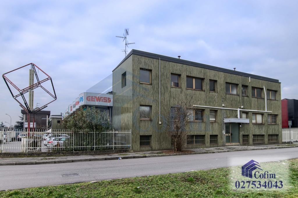 Ufficio con eventuale abitazione   Canzo (Peschiera Borromeo) Affitto in Esclusiva - 1