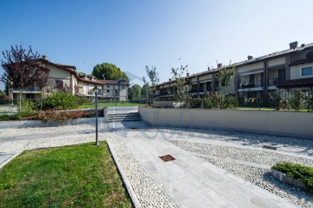 Trilocale prestigioso con ampia taverna in  San Bovio (Peschiera Borromeo) Vendita in Esclusiva - 2