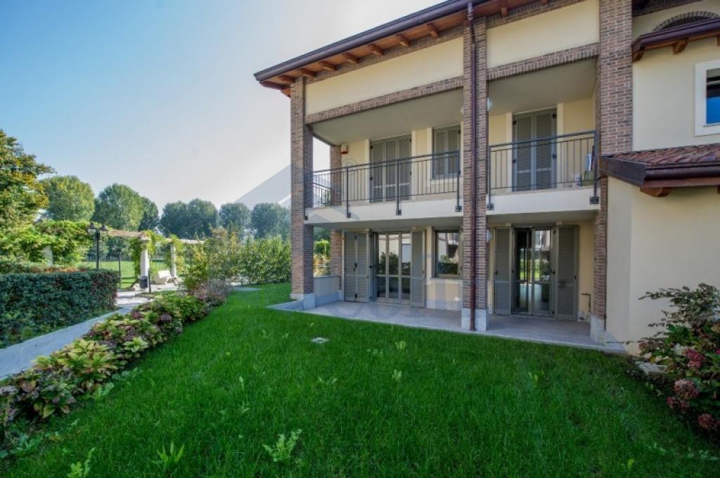 Trilocale prestigioso con ampia taverna in  San Bovio (Peschiera Borromeo) - in Vendita - 3