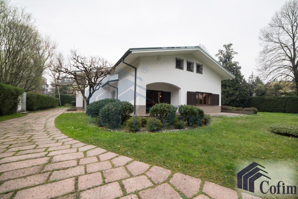 Villa singola prestigiosa con giardino di 1.600 mq  San Felice (Segrate) - in Vendita - 1