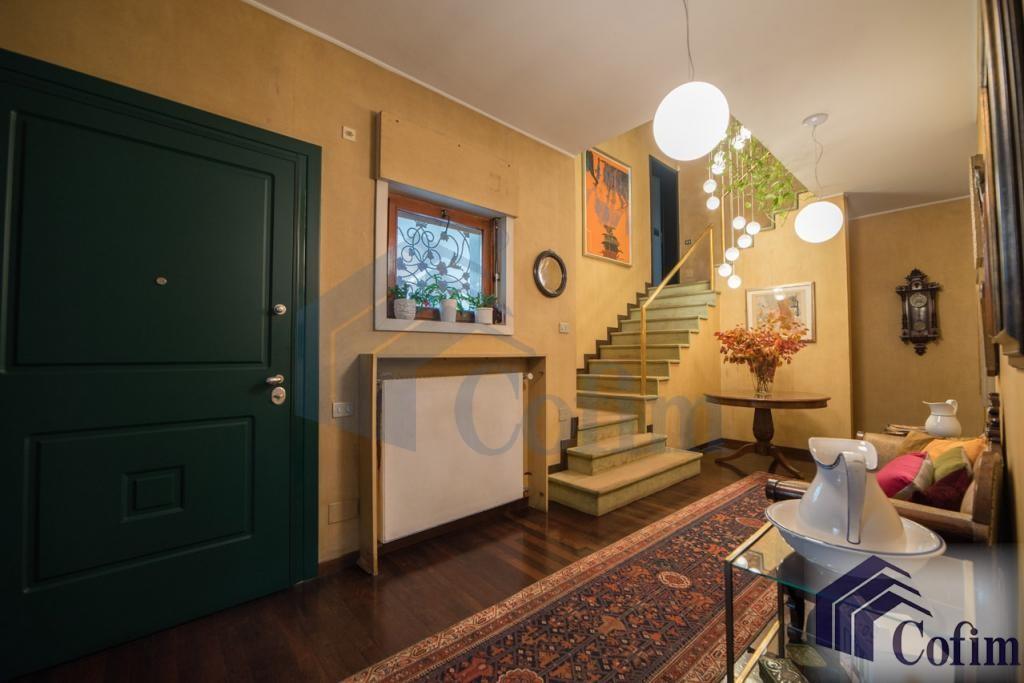 Villa singola prestigiosa con giardino di 1.600 mq  San Felice (Segrate) - in Vendita - 13