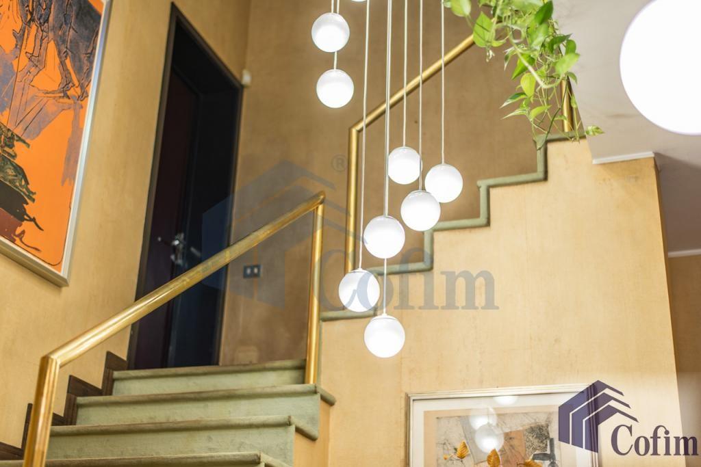 Villa singola prestigiosa con giardino di 1.600 mq  San Felice (Segrate) - in Vendita - 22
