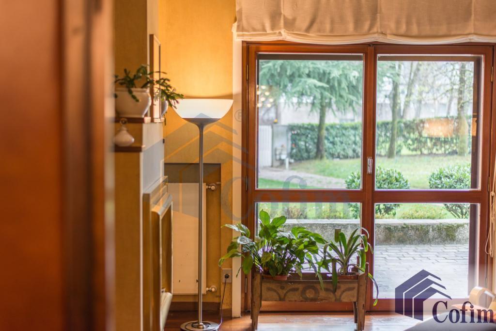 Villa singola prestigiosa con giardino di 1.600 mq  San Felice (Segrate) - in Vendita - 24