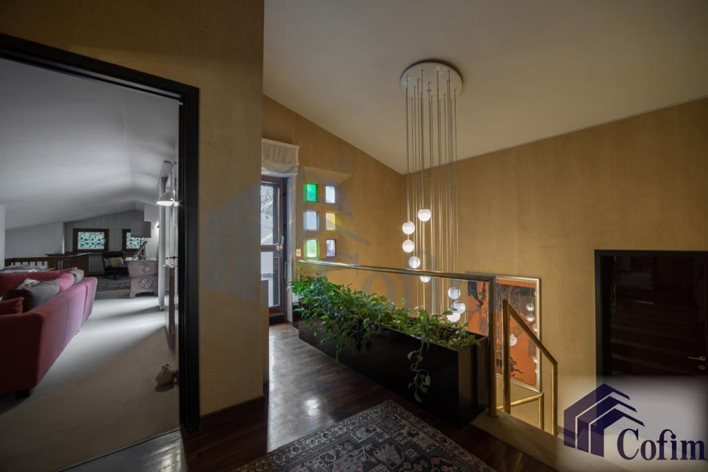 Villa singola prestigiosa con giardino di 1.600 mq  San Felice (Segrate) - in Vendita - 31