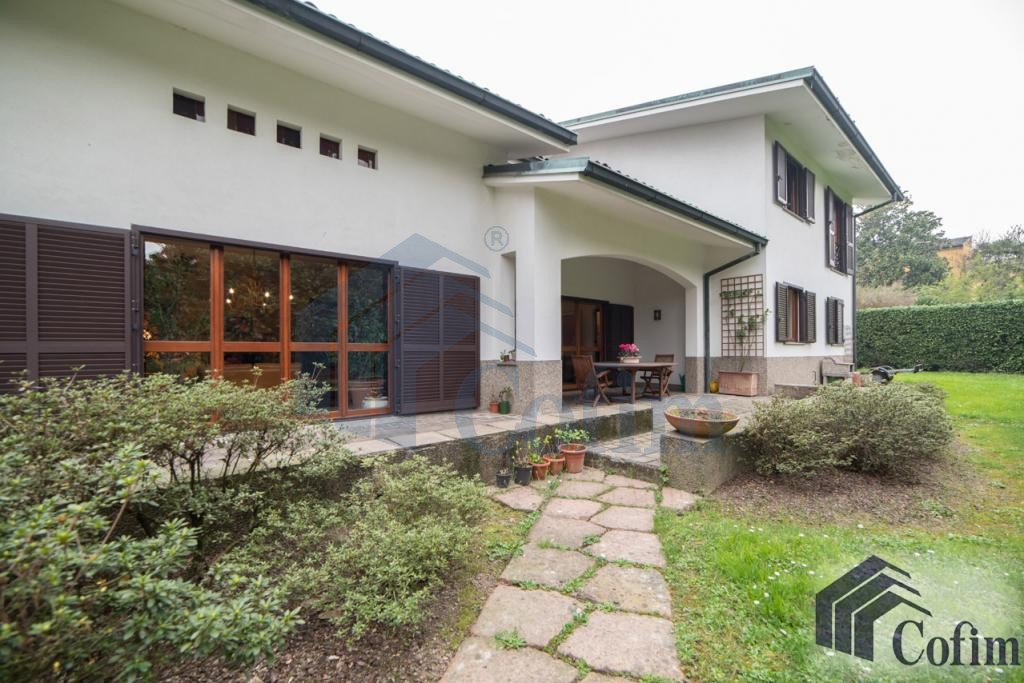 Villa singola prestigiosa con giardino di 1.600 mq  San Felice (Segrate) - in Vendita - 2