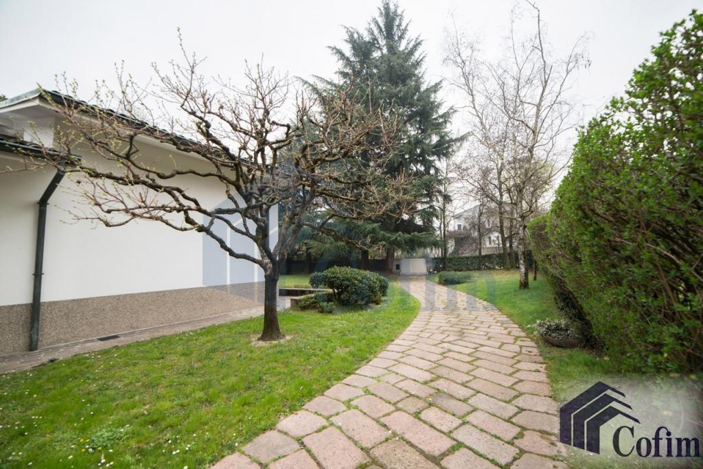 Villa singola prestigiosa con giardino di 1.600 mq  San Felice (Segrate) - in Vendita - 5