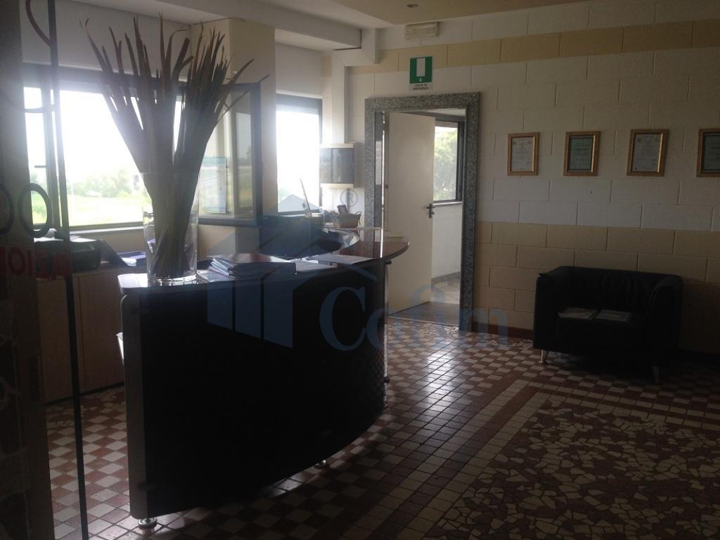 Ufficio completamente arredato in Truccazzano - in Affitto - 10