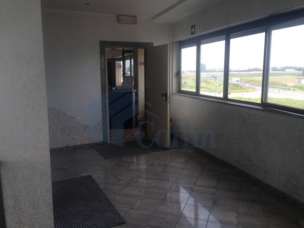Ufficio completamente arredato in Truccazzano - in Affitto - 12