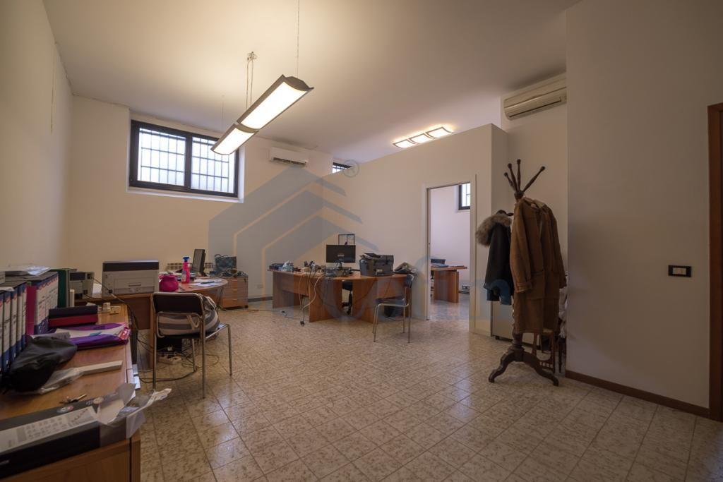 Ufficio luminoso open space  Redecesio (Segrate) - in Affitto - 4
