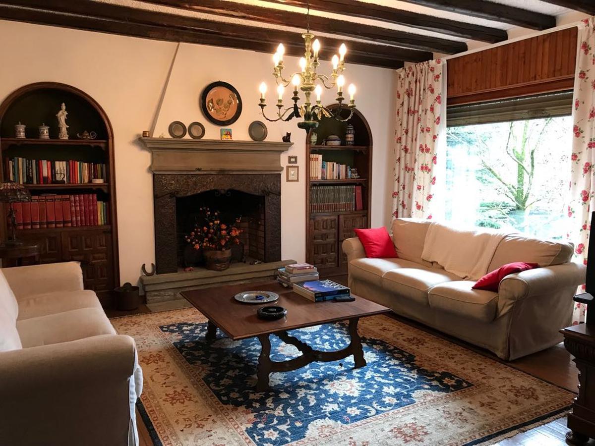 Villa bifamiliare immersa in un parco di abeti secolari Selvino - in Vendita - 1