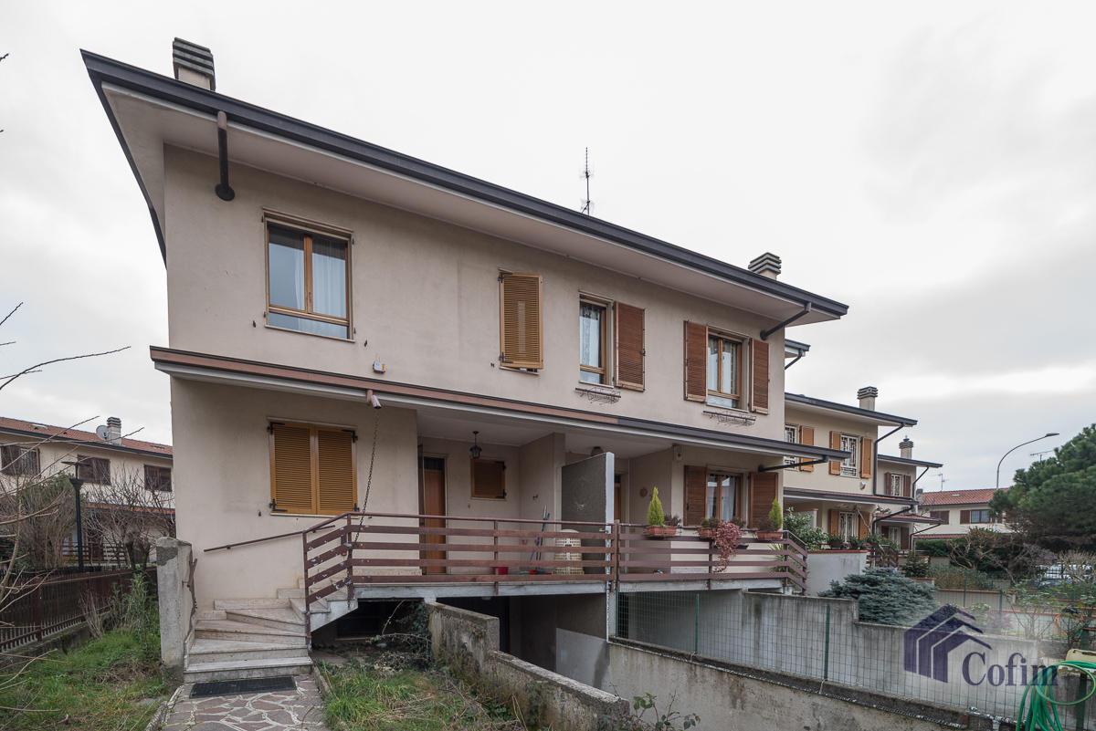 Villa a schiera con giardino privato  Lucino (Rodano) - in Vendita - 1