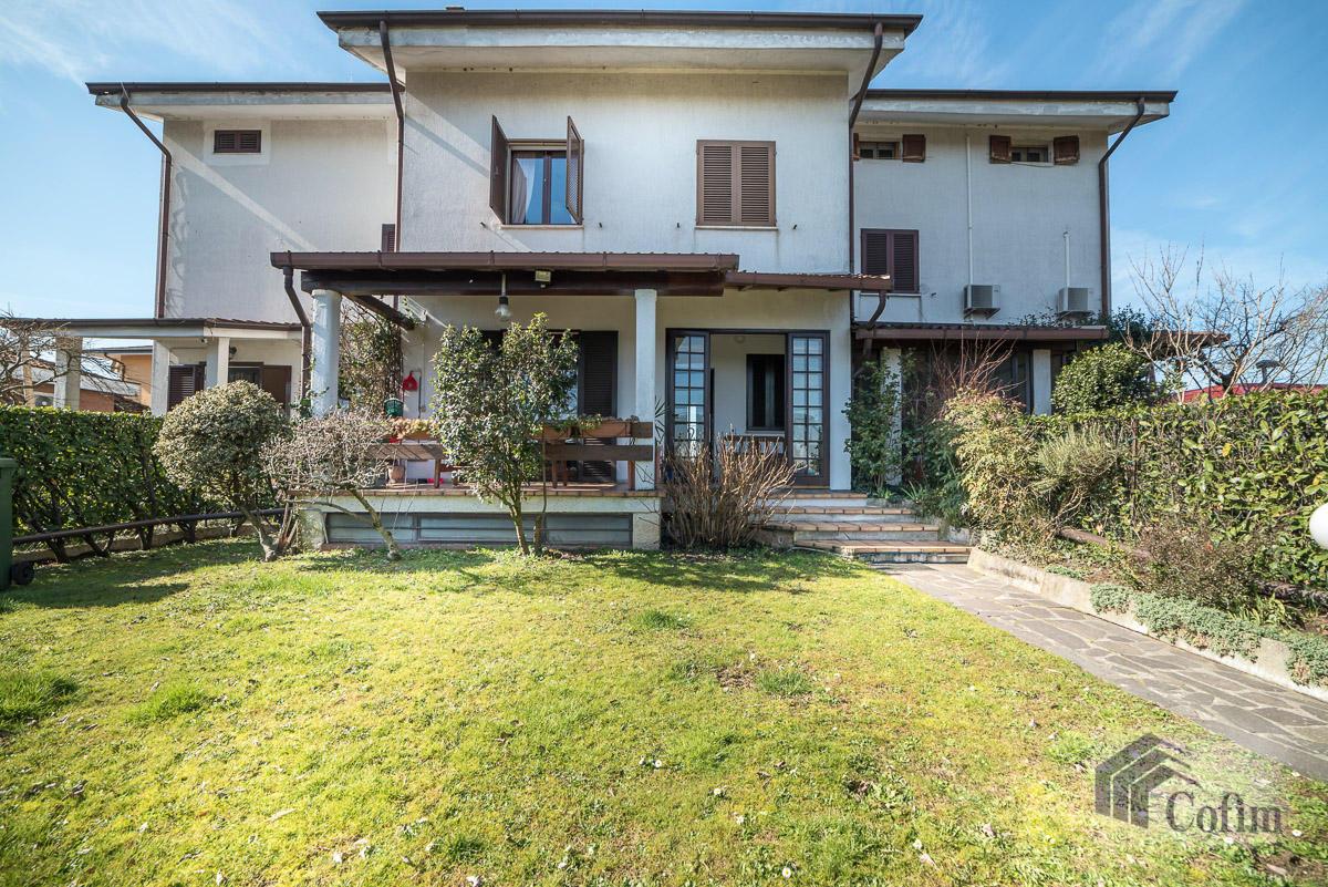 Villa singola immersa nel verde di  Millepini (Rodano) - in Vendita - 1