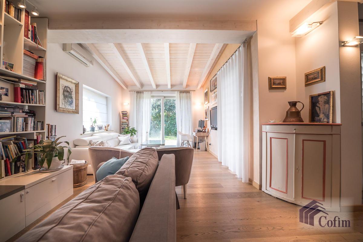 Villa singola completamente ristrutturata  Millepini (Rodano) - in Vendita - 7