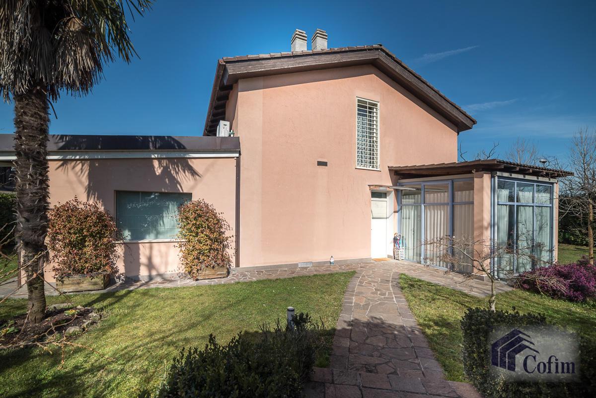 Villa singola completamente ristrutturata  Millepini (Rodano) - in Vendita - 3