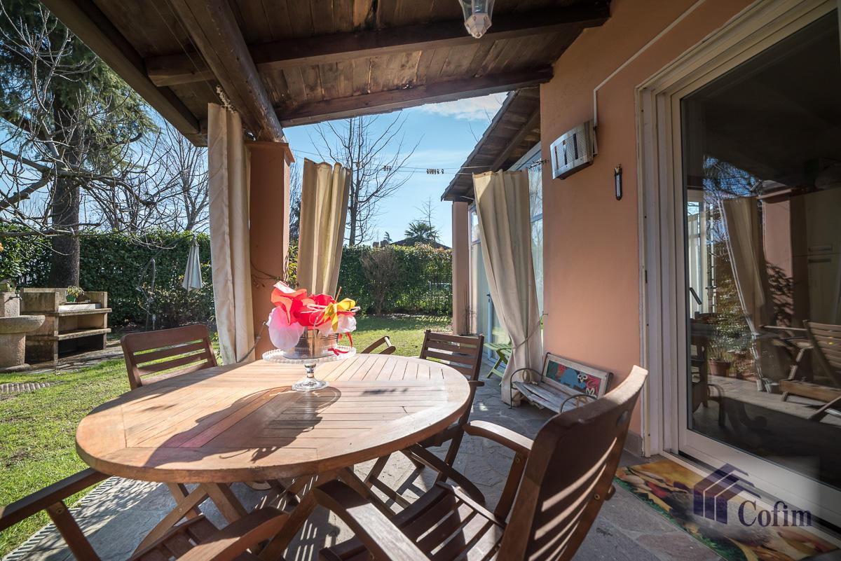 Villa singola completamente ristrutturata  Millepini (Rodano) - in Vendita - 1