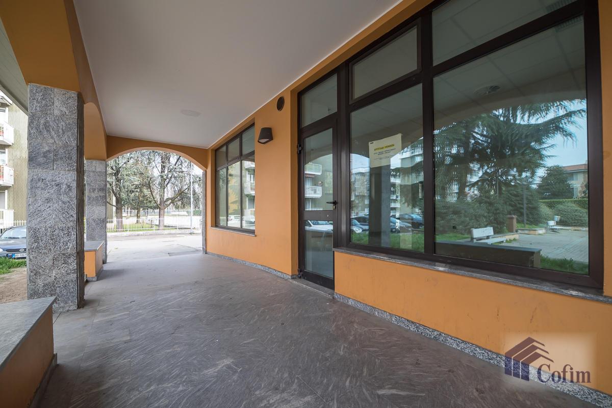 Negozio spazioso  Zelo Foramagno (Peschiera Borromeo) - in Affitto - 2