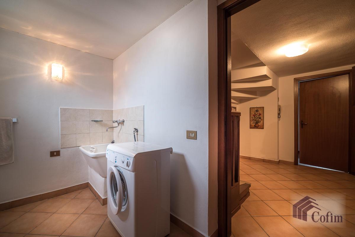 Villa singola oltre a bilocale  Robbiano (Mediglia) - in Vendita - 26
