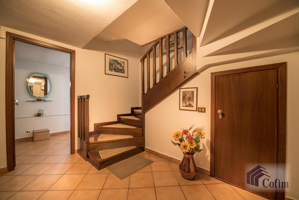 Villa singola oltre a bilocale  Robbiano (Mediglia) - in Vendita - 25