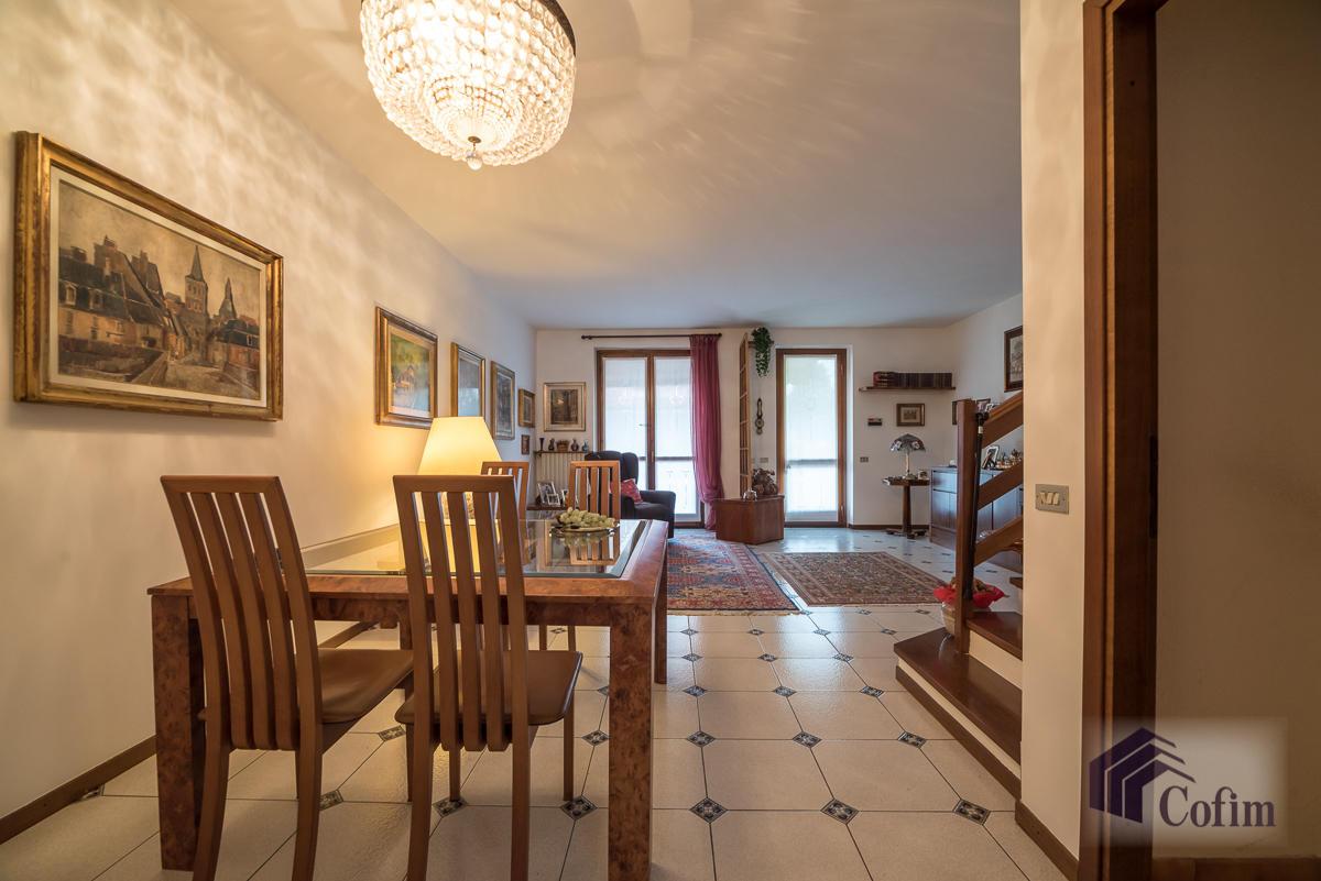 Villa a schiera con giardino su tre lati  Foromagno (Peschiera Borromeo) - in Vendita - 11