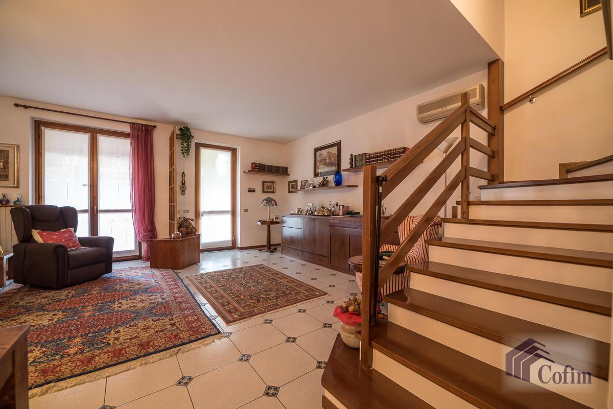Villa a schiera con giardino su tre lati a  Zelo Foramagno (Peschiera Borromeo) Vendita in Esclusiva - 9
