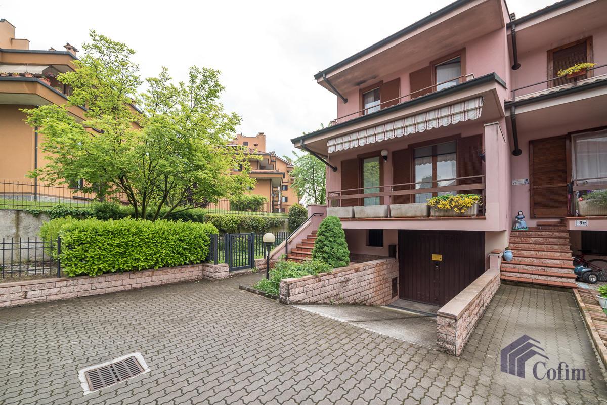 Villa a schiera con giardino su tre lati a  Zelo Foramagno (Peschiera Borromeo) Vendita in Esclusiva - 1