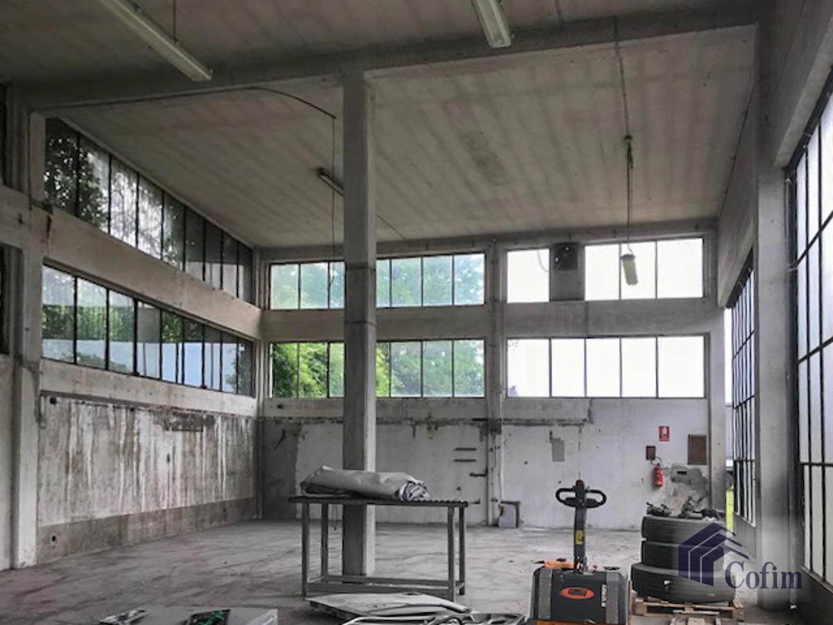 Capannone + Uffici e grande piazzale  Canzo (Peschiera Borromeo) - in Affitto - 5