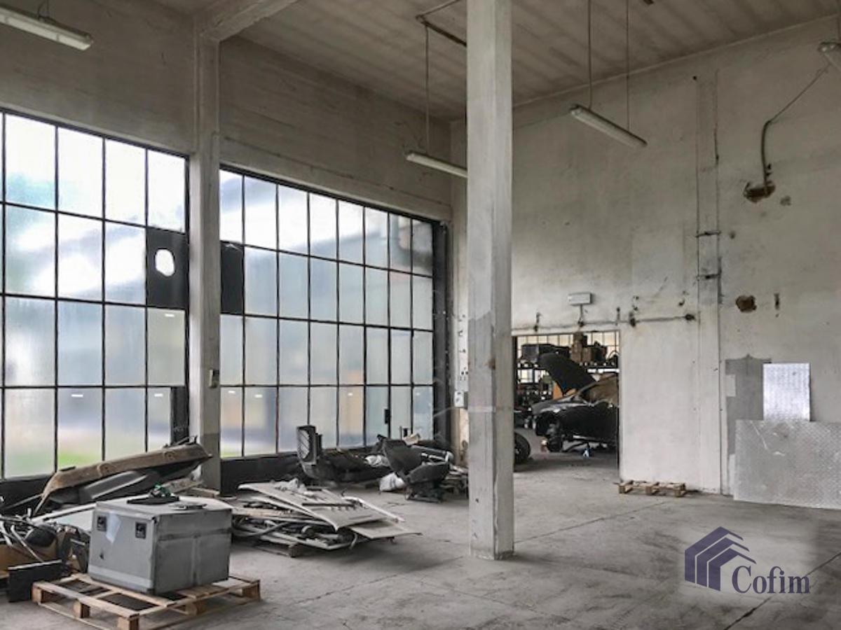Capannone + Uffici e grande piazzale  Canzo (Peschiera Borromeo) - in Affitto - 6