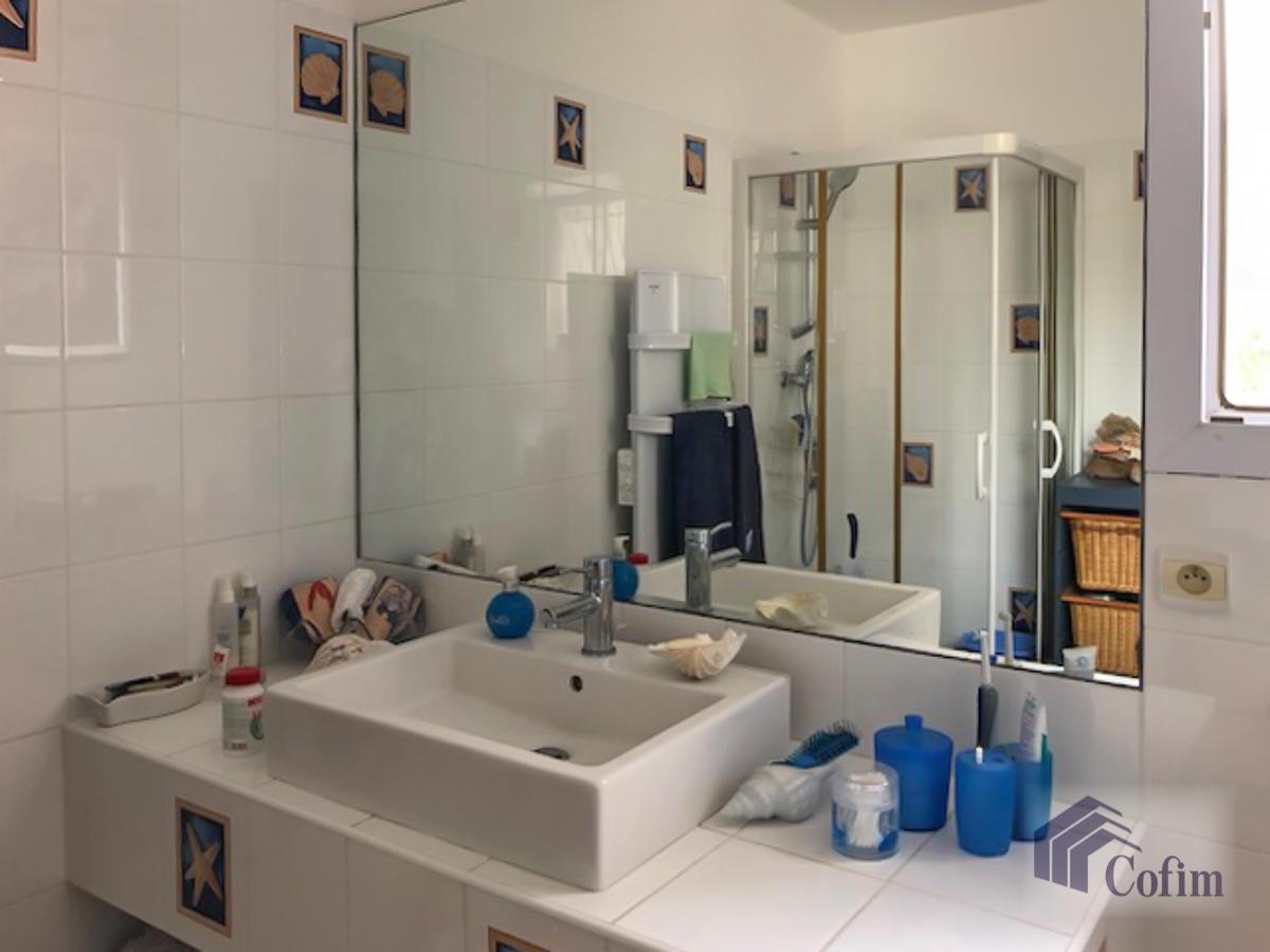 Villa singola con terreno edificabile in Corsica a Macinaggio - Bastia  - in Vendita - 35