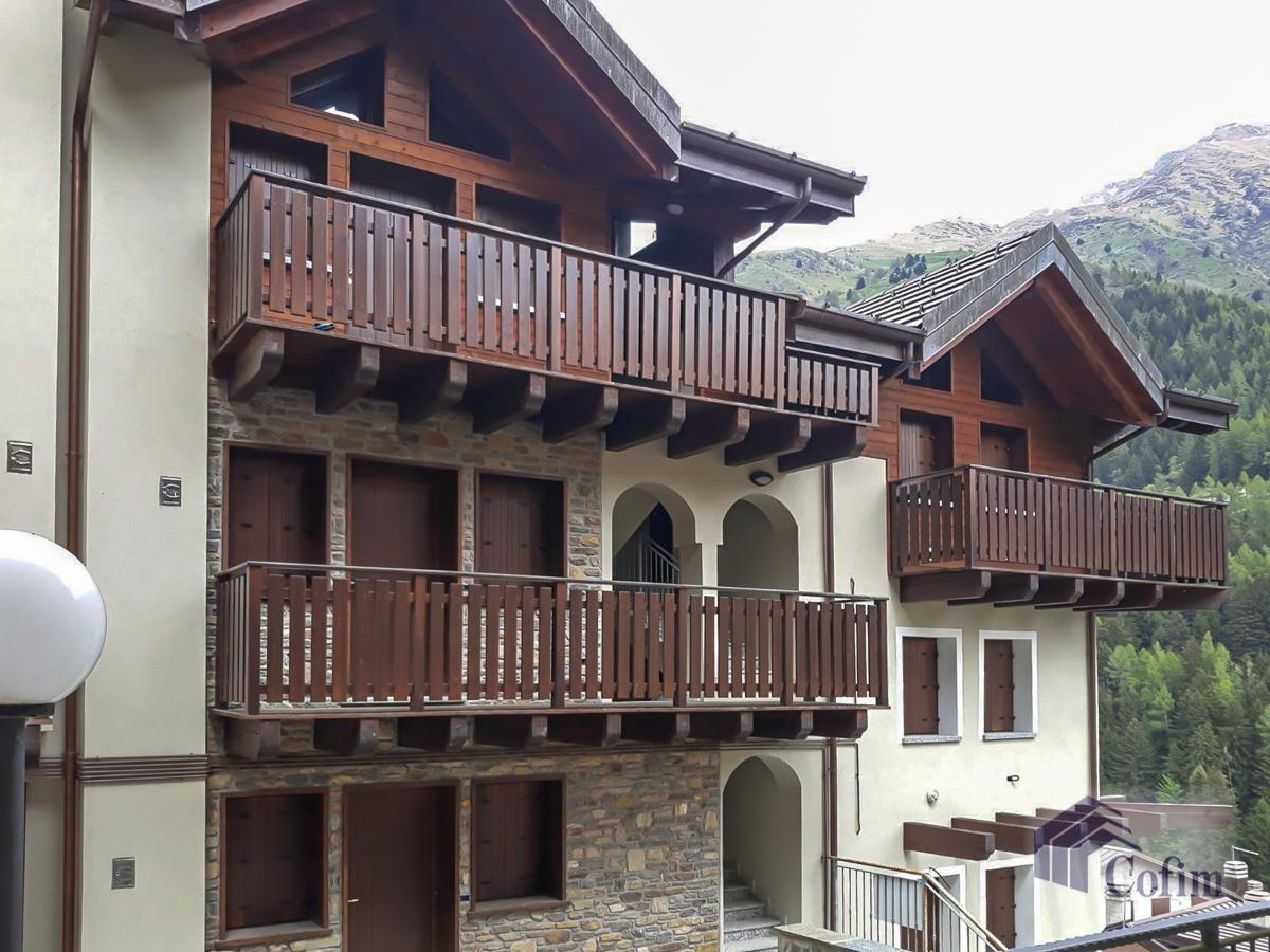 Appartamento diverse tipologie  Precasaglio (Ponte di Legno) - in Vendita - 2