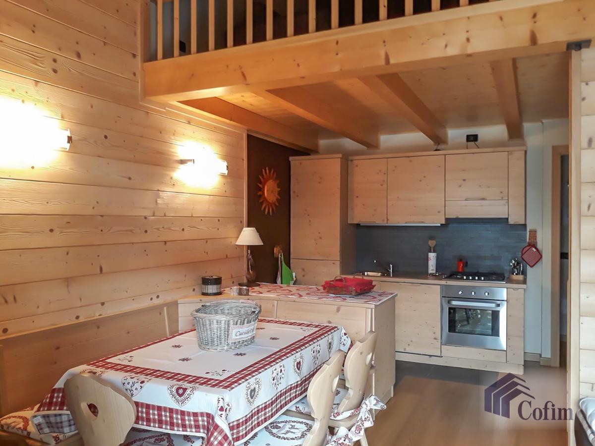Appartamento diverse tipologie  Precasaglio (Ponte di Legno) - in Vendita - 17