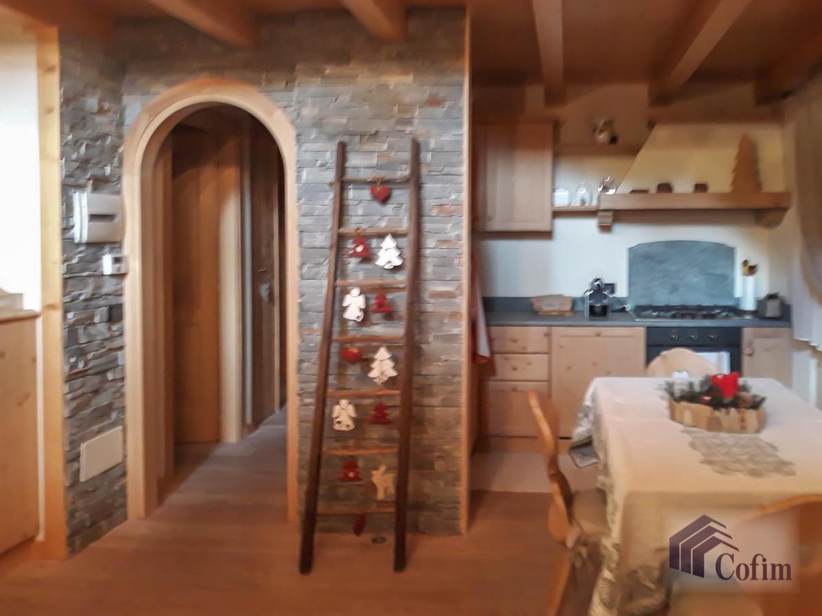 Appartamento diverse tipologie  Precasaglio (Ponte di Legno) - in Vendita - 23