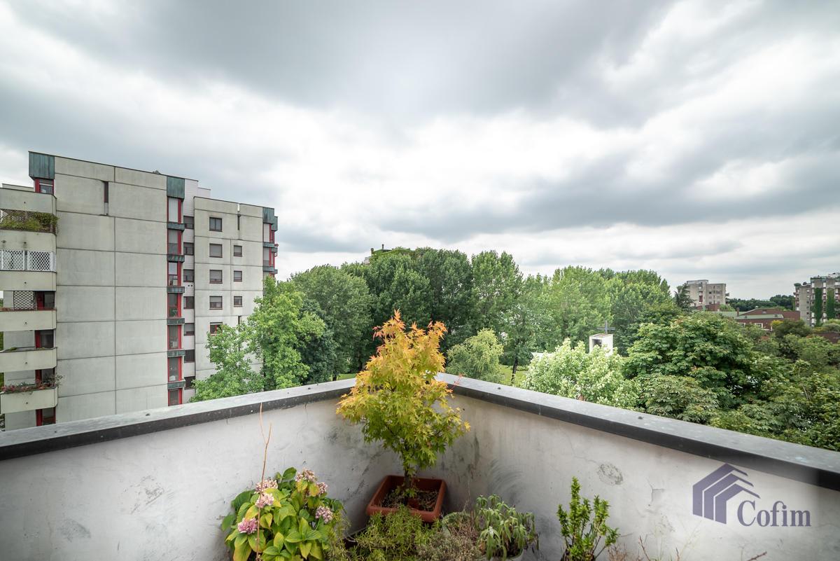 Trilocale piano alto con balcone  San Felice (Segrate) - in Vendita - 2