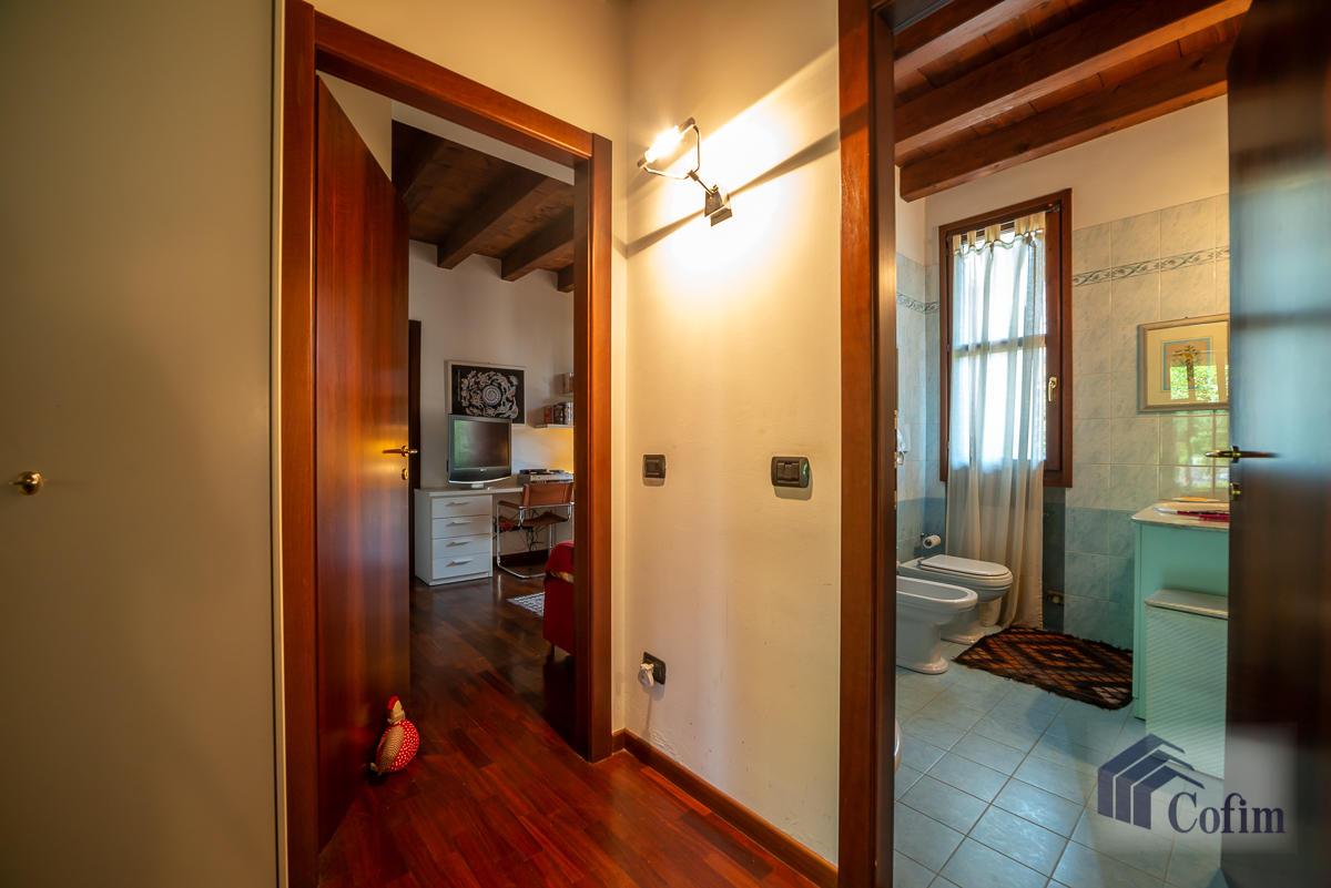 Appartamento di pregio su due livelli con giardino  Residenza Longhignana (Peschiera Borromeo) - in Vendita - 27