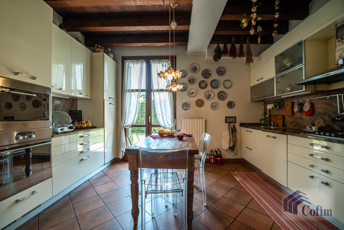 Appartamento di pregio su due livelli con giardino  Residenza Longhignana (Peschiera Borromeo) - in Vendita - 16