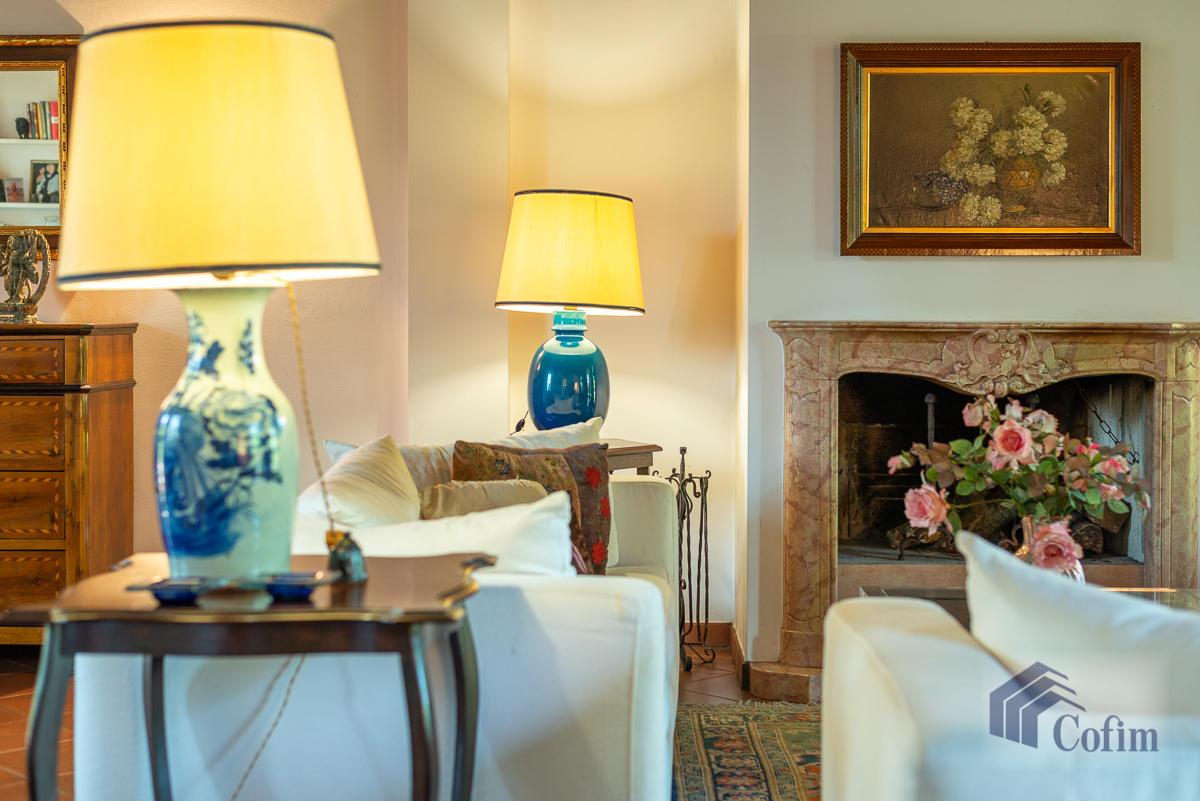 Appartamento di pregio su due livelli con giardino  Residenza Longhignana (Peschiera Borromeo) - in Vendita - 11