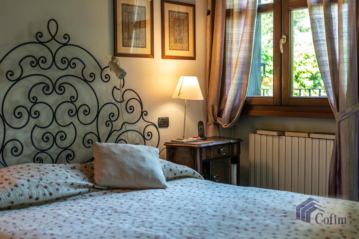 Appartamento di pregio su due livelli con giardino  Residenza Longhignana (Peschiera Borromeo) - in Vendita - 24
