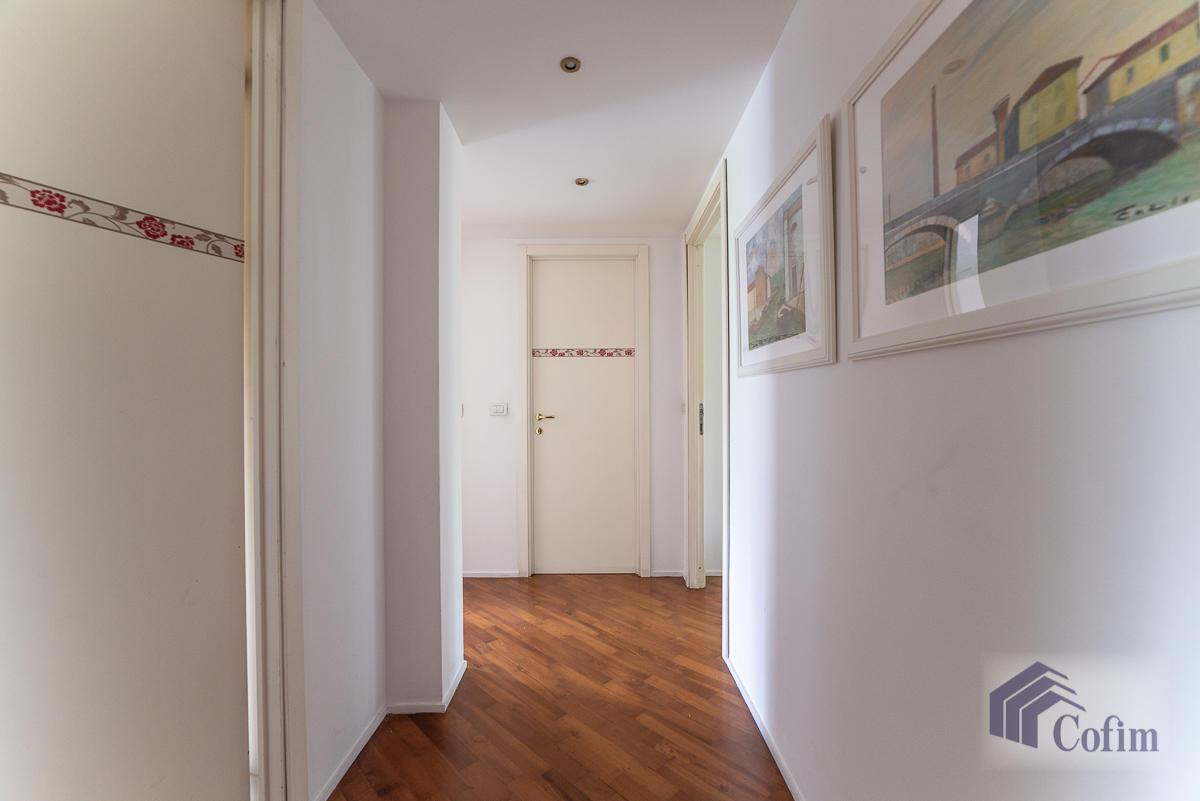 5 Locali ampio, piano alto, posto in Settima Strada  San Felice (Segrate) - in Affitto - 8