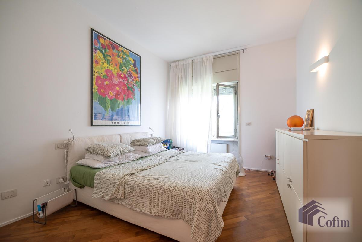 5 Locali ampio, piano alto, posto in Settima Strada  San Felice (Segrate) - in Affitto - 10