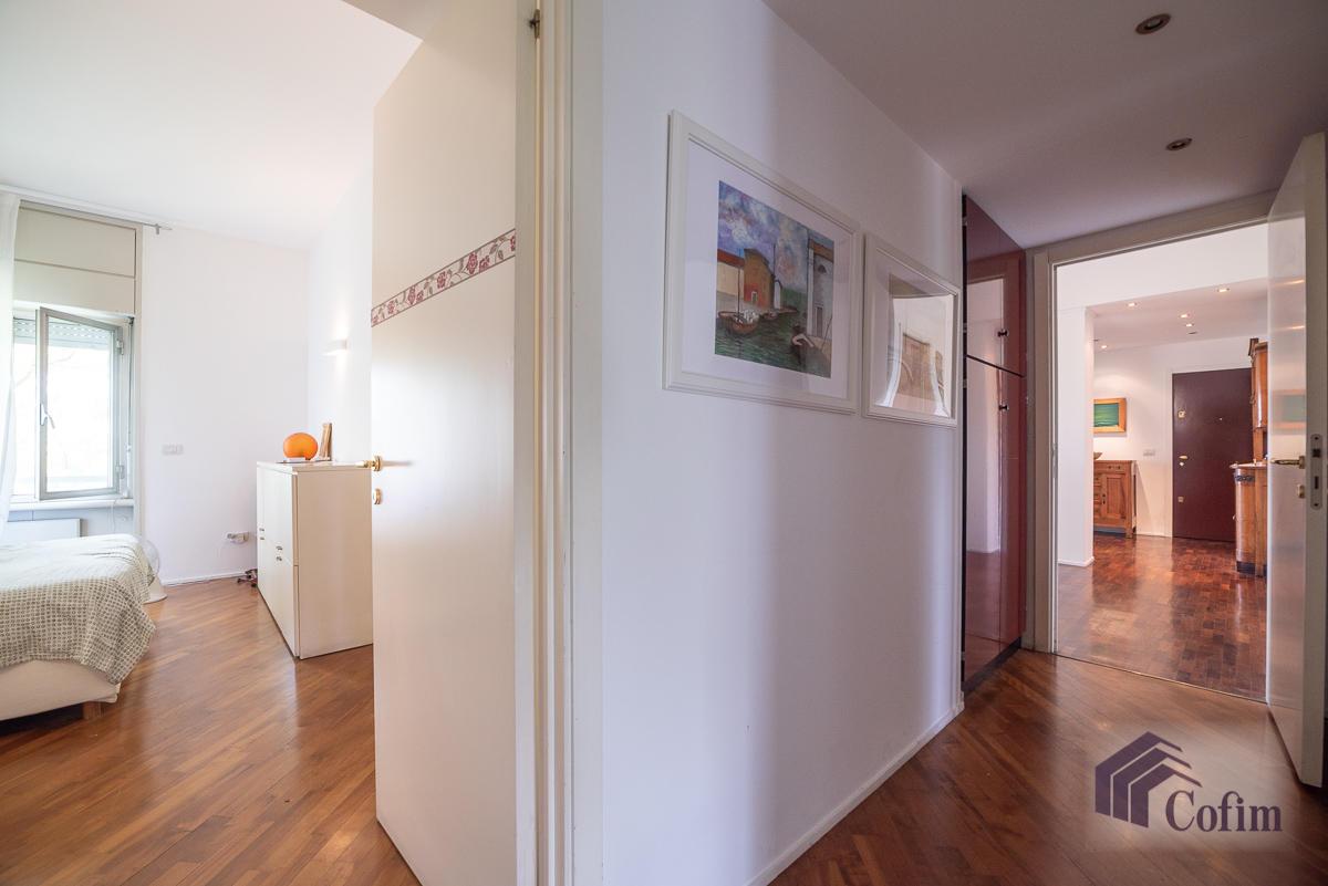 5 Locali ampio, piano alto, posto in Settima Strada  San Felice (Segrate) - in Affitto - 9